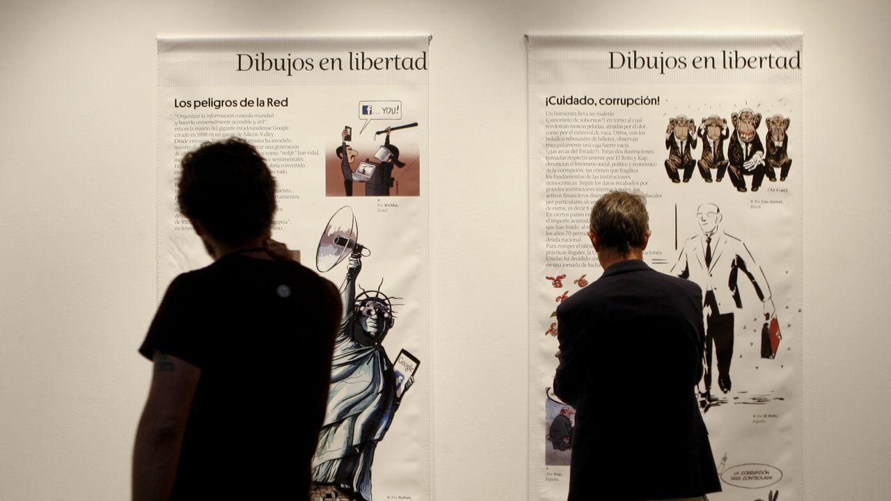 Teléfono móvil.Un momento de la presentación de «Niños listos como serpientes», de Javi Guerrero, en la Feria del Libro de Gijón
