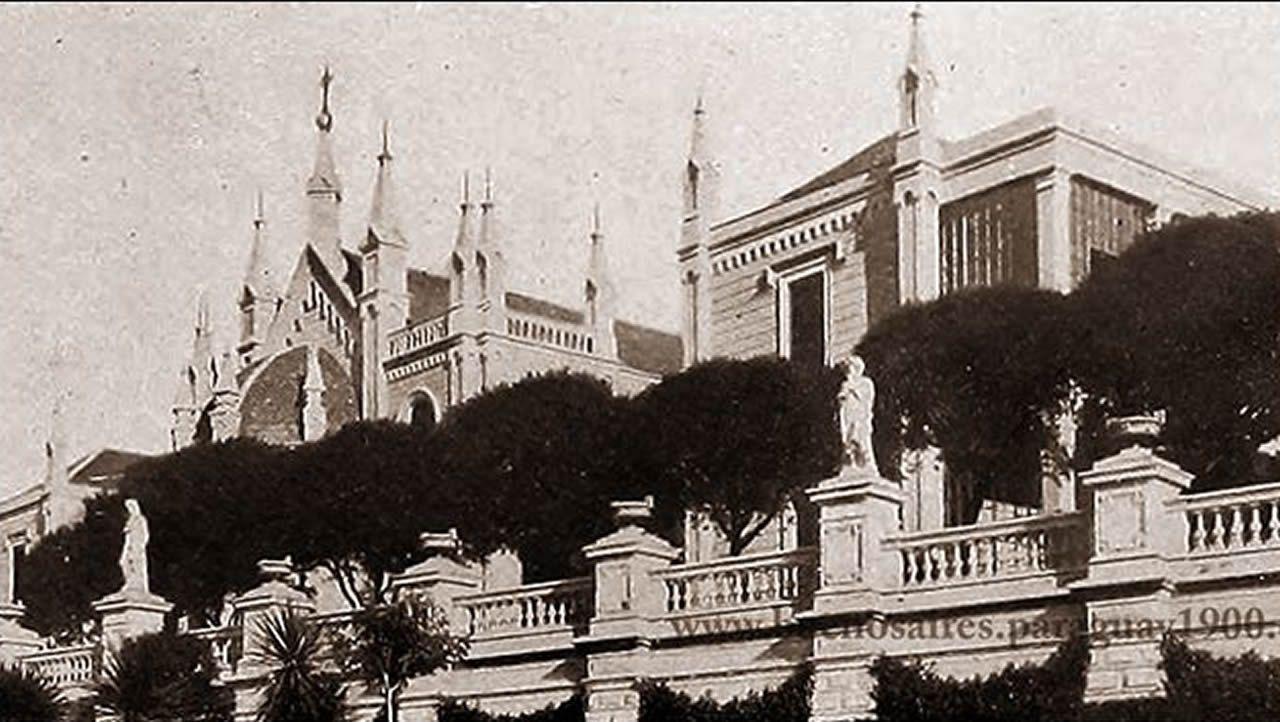 El poeta catalán Joan Margarit, hace unos días, en la sede del Instituto Cervantes, donde depositó un legado en la Caja de las Letras