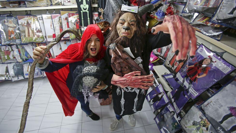 Vecinos deCampos de Mirabelreparten sustos y diversión en Halloween.Halloween