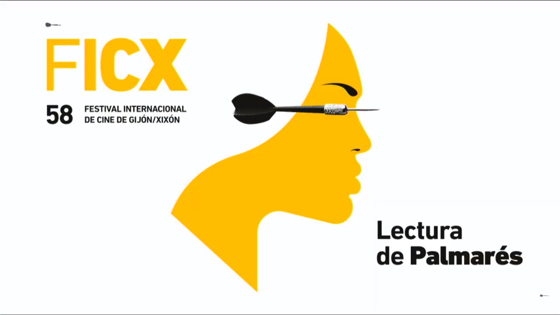 Lectura del palmarés del FICX.El actor asturiano David Blanka