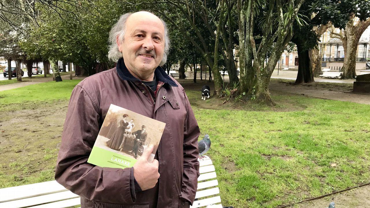 En directo: Viaje de La Voz entre Ferrol y A Coruña por carretera y autopista.A la izquierda de la imagen, Germán Castrillón