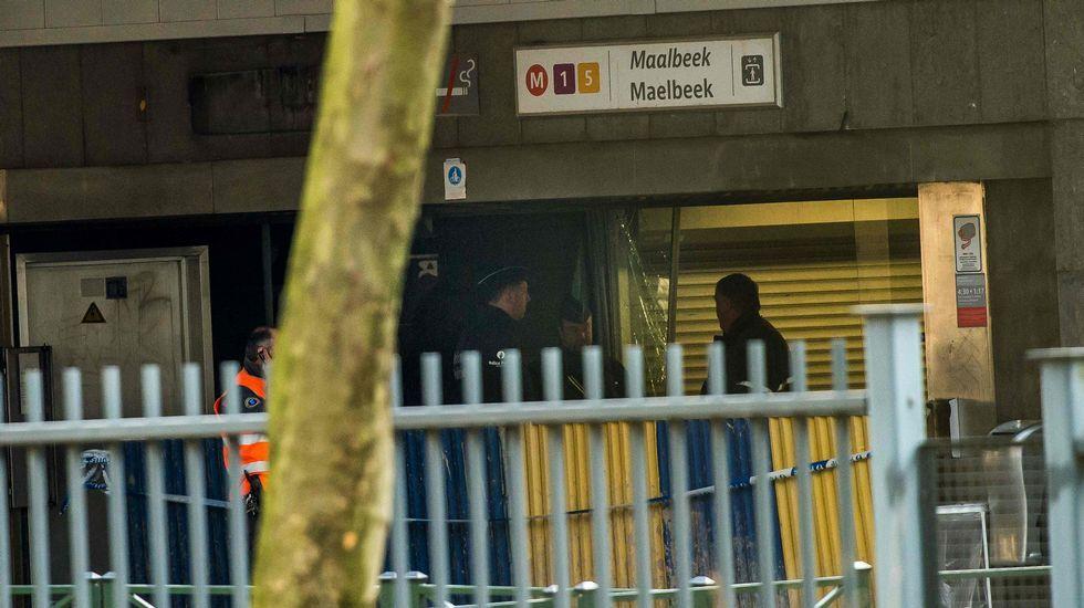 Pasajeros trasladados a un polideportivo cercano al aeropuerto de Zaventem tras el atentado