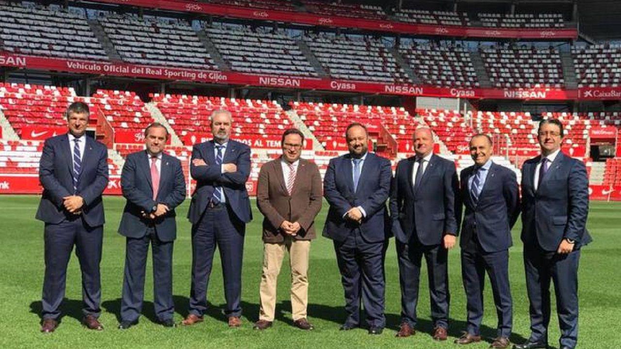 Las directivas de Real Oviedo y Real Sporting en El Molinón, antes del derbi de marzo de 2019