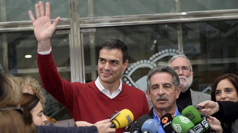Pedro Sánchez: «Rajoy es el 'Red Bull' que da alas a los independentistas».El ministro de Fomento, Íñigo de la Serna Hernáiz.