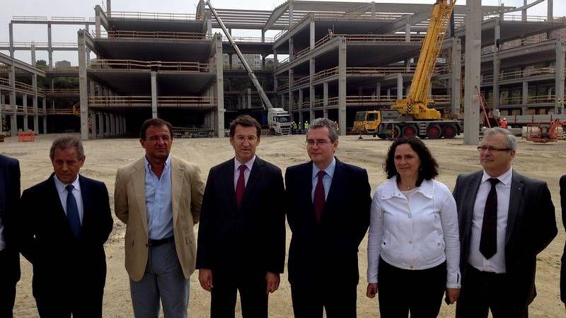 Feijoo visita la obras de ampliación de Inditex.Isla mostró ayer a Feijoo las obras de la ampliación.