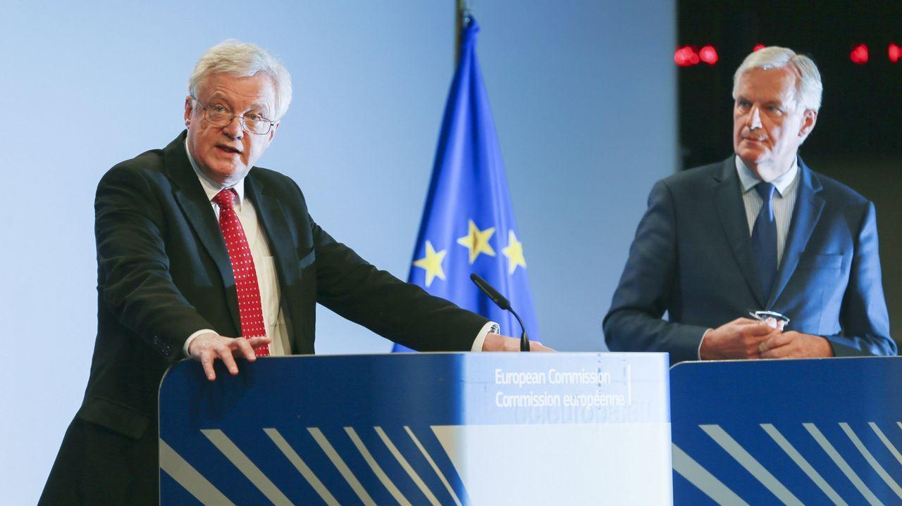 Los Reyes, en Asturias.Rajoy presentó en Madrid al candidato popular a presidir la Comisión, Jean-Claude Juncker.