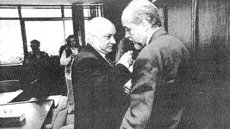En su último pleno como alcalde, el 12 de junio de 1991