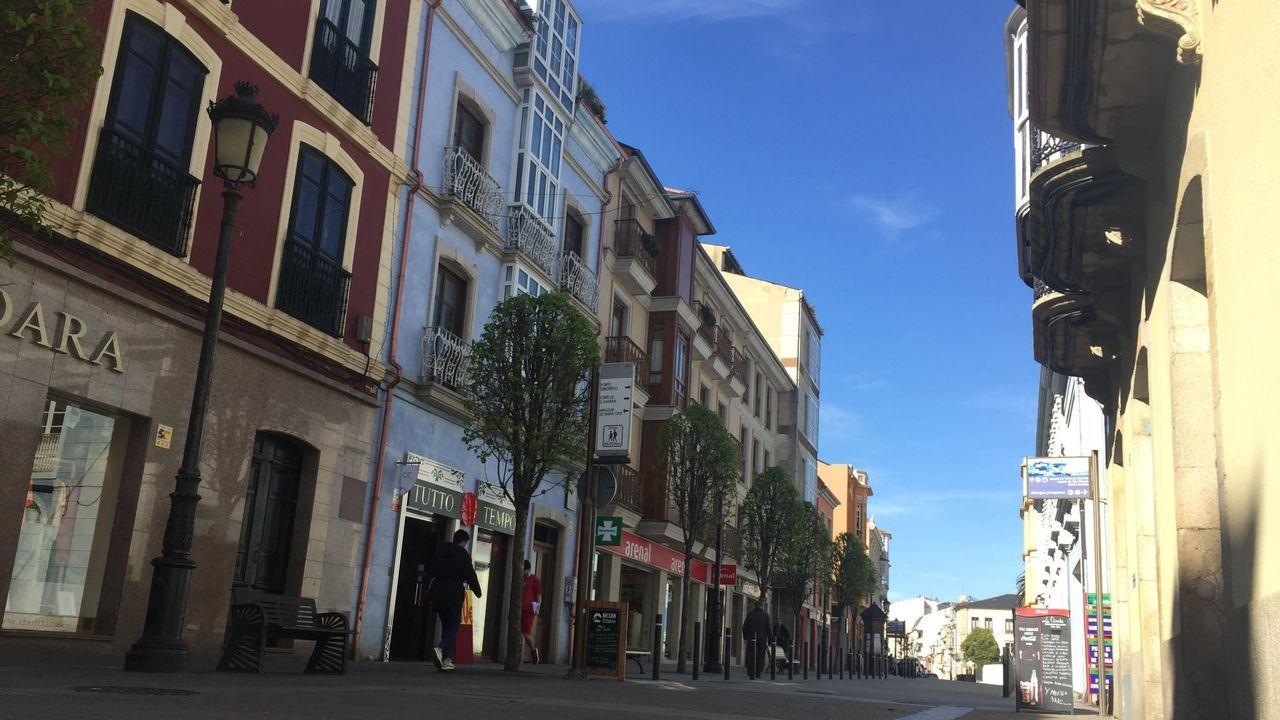 Algunos de los pisos con los que cuenta la Sareb están en la rúa Extremeiro