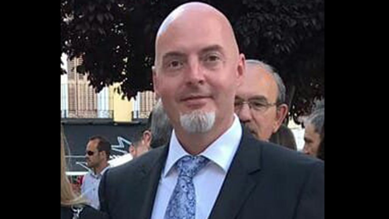 Anabel Santiago responde a las acusaciones de Mario Arias en redes sociales.José Luis Costillas, concejal de Cultura del Ayuntamiento de Oviedo