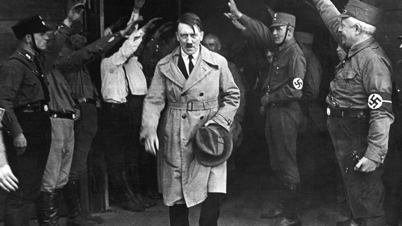 «Os das SS dicíanlles: 'Franco non vos matou, pero de aquí non saídes'».Macron, durante su visita a la mezquita de Al Aqsa