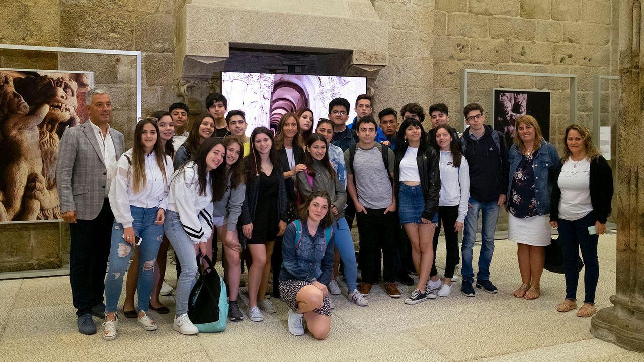Chicos argentinos, en el salón de plenos de la Diputación de A Coruña