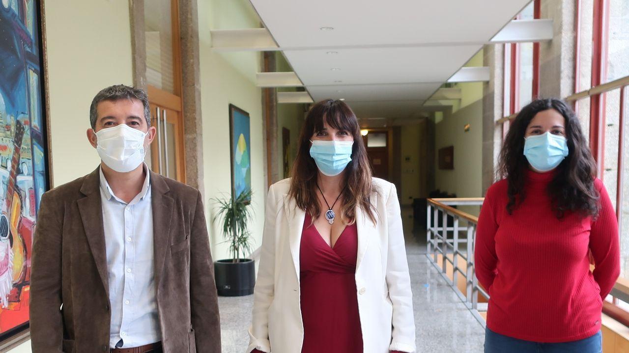 Iago Tabarés, María Albert y Noa Presas (BNG) preguntan en el Parlamento por la gestión de las residencias durante la pandemia