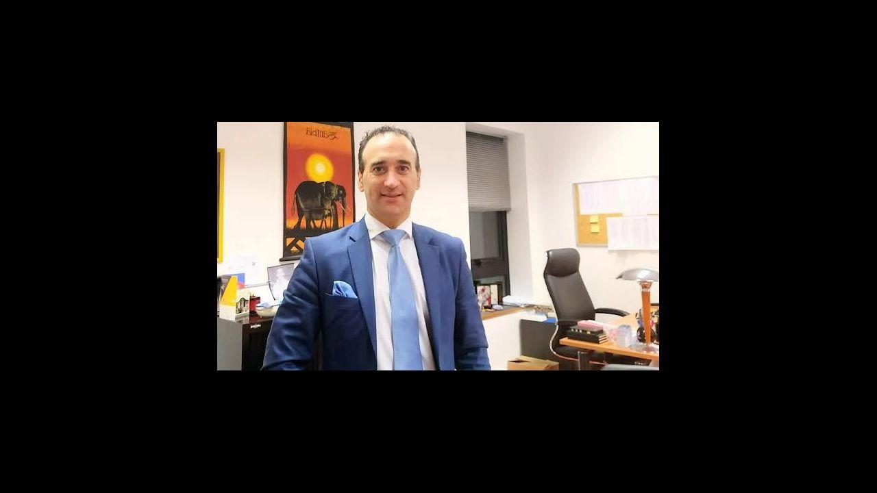 El asturiano Martín López-Vega.Borrel dijo que no puede recurrir a las embajadas mientras no cumplan la legalidad