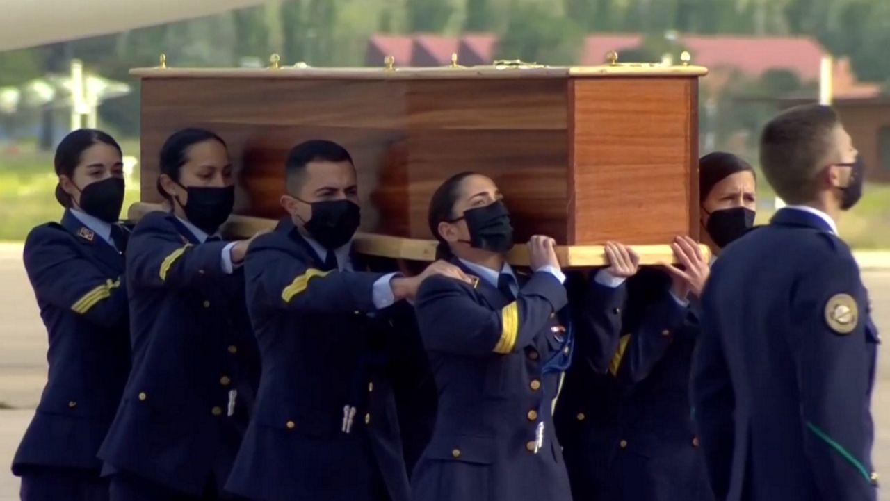 En directo: Repatriación de los cuerpos de David Beriain y Roberto Fraile