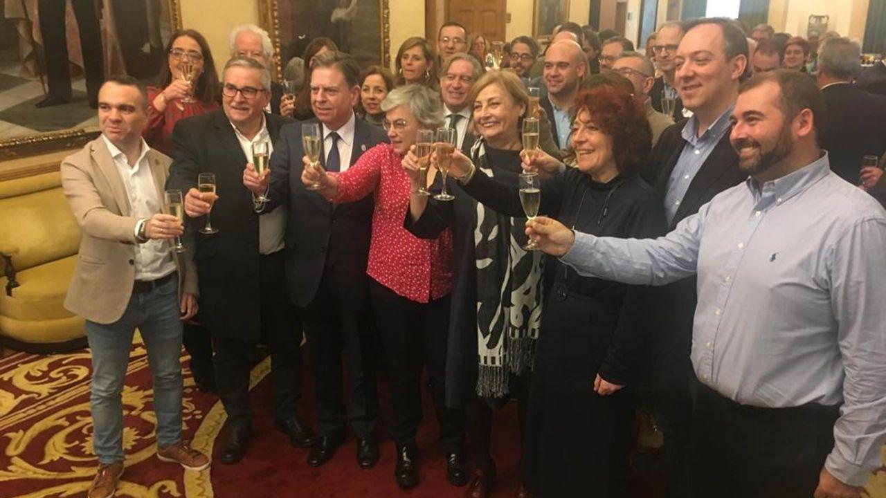 La habitación del futuro de ArcelorMittal.Alcaldesas, alcaldes y representantes de la FACC brindan por un 2020 marcado por más autonomía y colaboración local