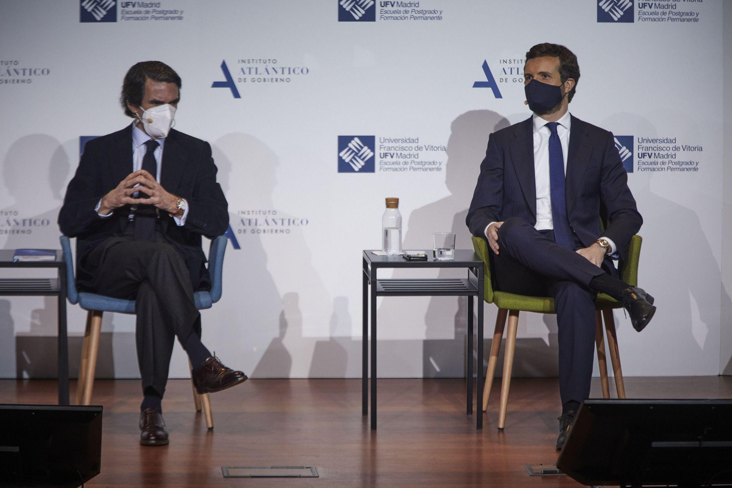 Obras en la variante de Pajares.Aznar junto a Rajoy en el Comité Ejecutivo Nacional del 21 de diciembre del 2015