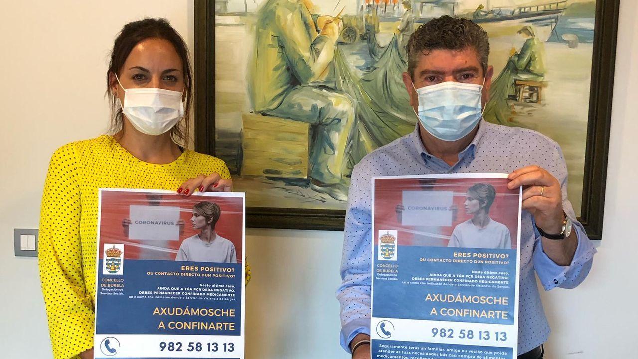 El regidor burelense, Alfredo Llano, y la edila de Servizos Sociais, Carmela López, impulsaron varias campañas informativas para sensibilizar a la población sobre la pandemia