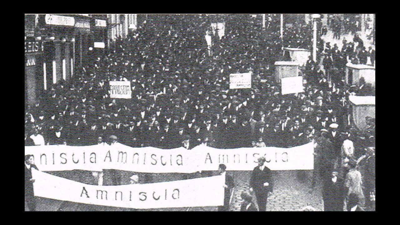 Diciembre de 1917. Manifestación a favor de la amnistía para als personas detenidas durante la huelga general del 13 de agosto de 1917. Antigua.
