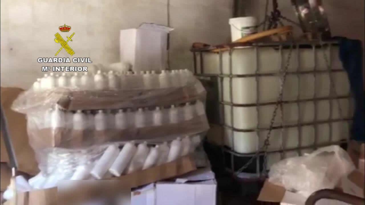 Desmantelado en Boiro un laboratorio clandestino de falso gel hidroalcohólico
