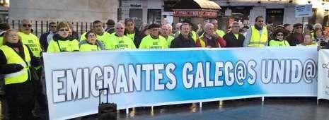 Los 350 gallegos que se manifestaron en Madrid, un centenar de ellos de la Costa da Morte, fueron desde Sol al Congreso y a Hacienda.