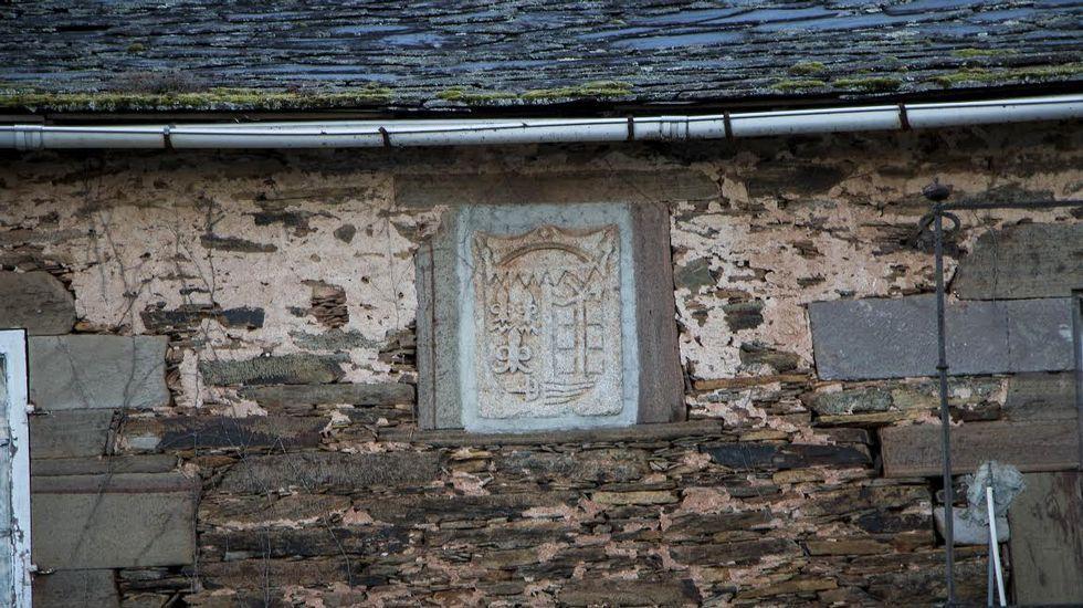 Escudo de armas en el pazo de Vilamaior