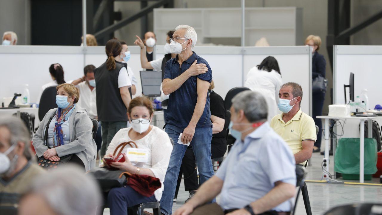 EN DIRECTO: La ministra de Sanidad anuncia la decisión de España sobre la vacuna de AstraZeneca.Campaña de vacunación masiva contra el covid-19 en el Ifevi de Vigo