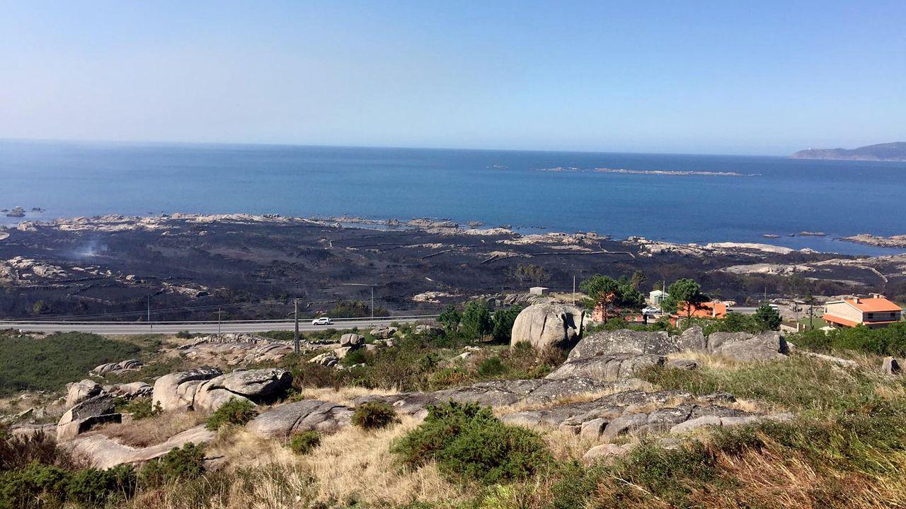 El incendio arrasó más de veinte hectáreas en la zona de Quilmas