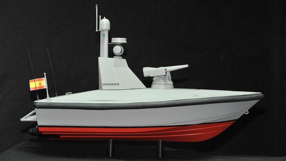 Dos mil euros gastados en 120 minutos en Carballo.Prototipo de «El Defensor», con 7,75 metros de eslora y 2,8 de manga.