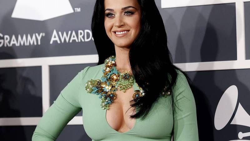Premios Grammy 2013: Jennifer López, Rihanna y Katy Perry caldean la alfombra roja