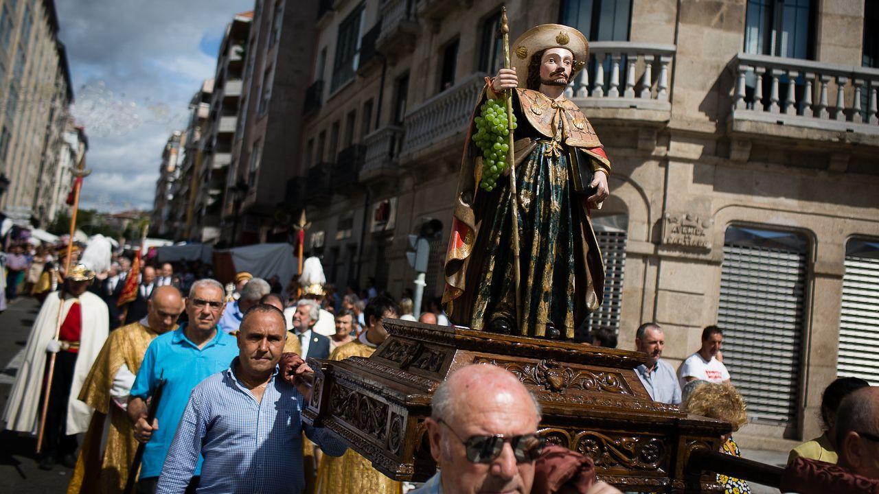 La procesión por el día del Santiago Apóstol en A Ponte, en imágenes.Detalle del concierto con que el cantante Sito Sedes y la Garufa Blue Devils Big Band estrenaron «Siboney», el nuevo disco de la orquesta, en la sala coruñesa