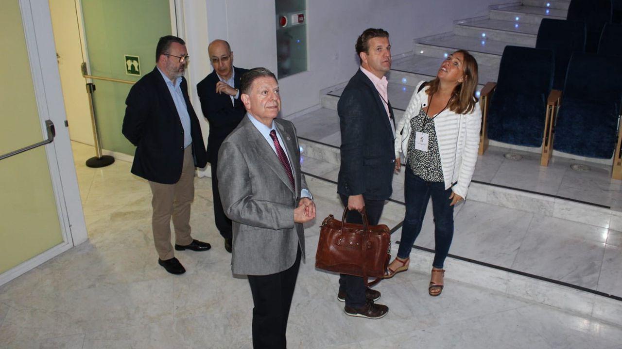 Los organizadores del World Cheese Awards junto a Alfredo Canteli en Oviedo