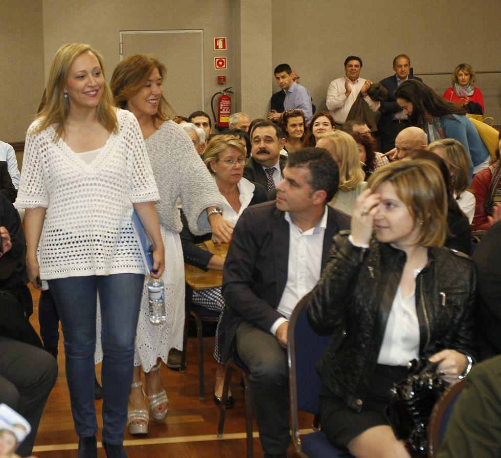 La conselleira Mato respaldó las propuestas sociales de Muñoz.