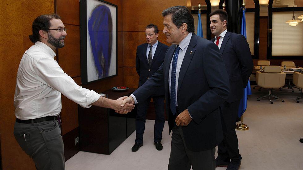 Reunión entre PSOE y Podemos para negociar los presupuestos de 2018