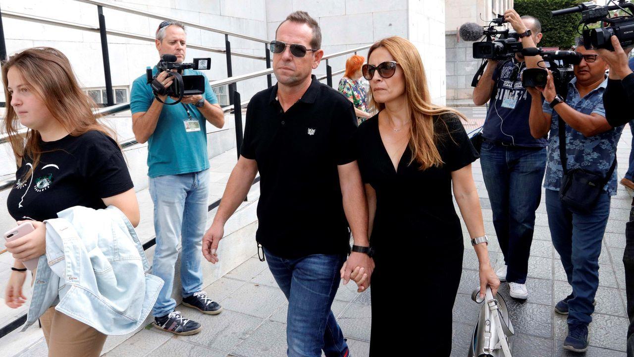 Llegada a la Audiencia de Almería del hermano del padre de Gabriel acompañado por su mujer