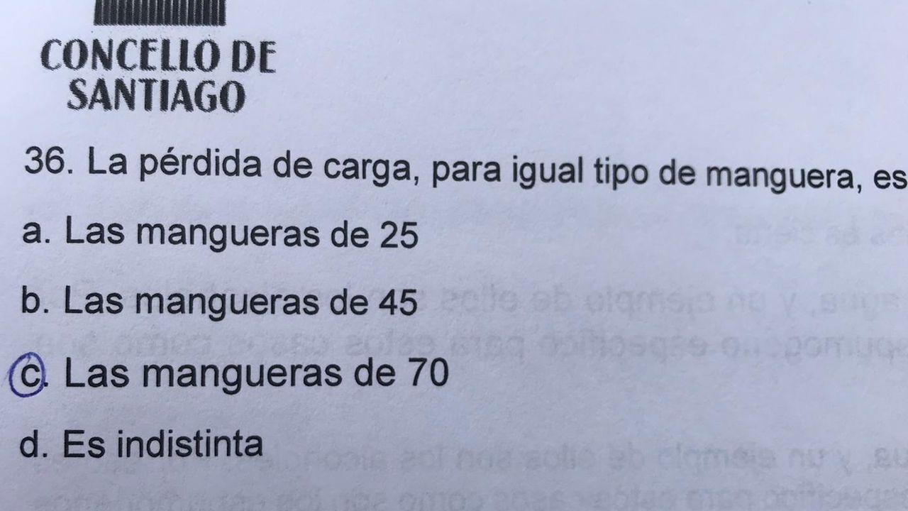Las respuestas correctas de la primera prueba de la oposición para cubrir nueve plazas en los Bomberos de Santiago tenían un tipo de letra mayor que las otras
