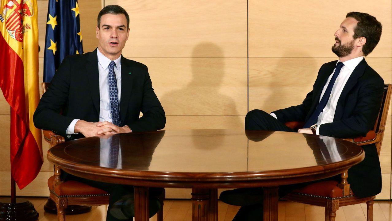 Pedro Sánchez comparece tras el Consejo Europeo.Pedro Sánchez y Pablo Casado, en diciembre del 2019, durante las conversaciones previas a la sesión de investidura