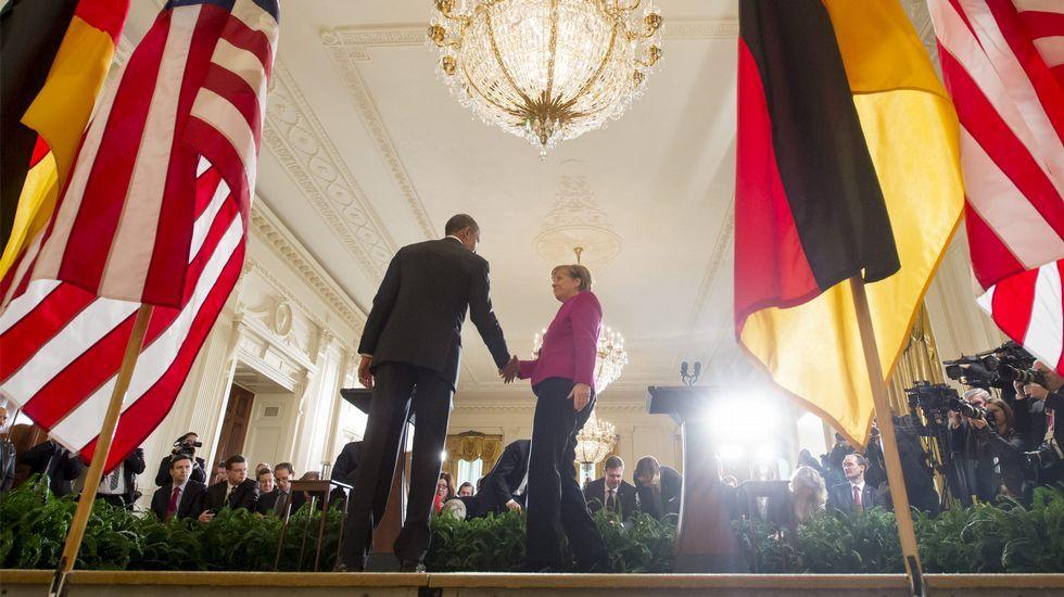 Conmoción por el asesinato a tiros en Moscú del líder opositor Boris Nemtsov.Merkel y Obama estuvieron de acuerdo de dar una oportunidad a la diplomacia.