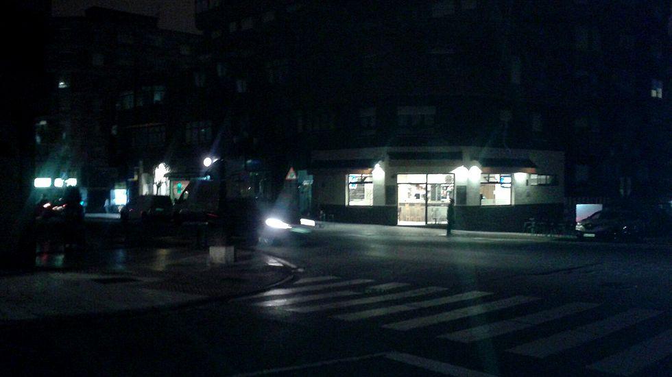 Calles de Oviedo oscurecidas