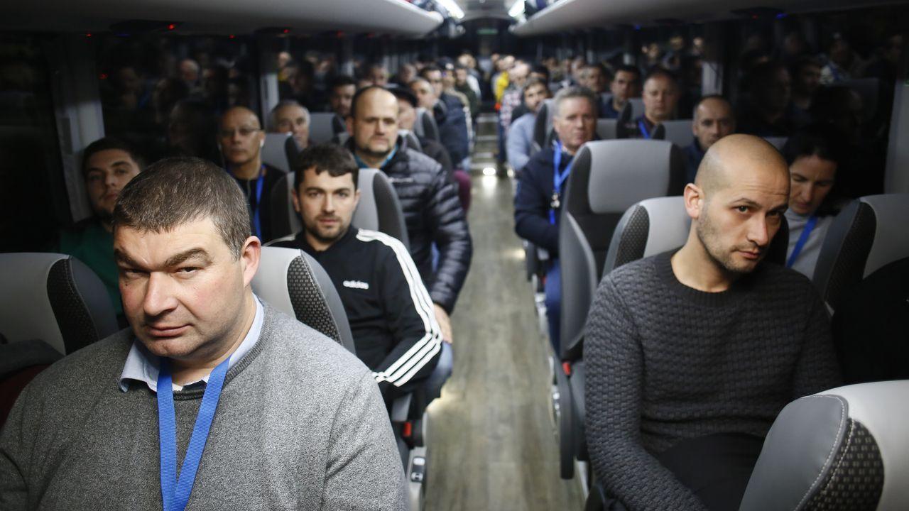 Viaje a Madrid con trabajadores de Alcoa para asistir a la manifestación.Trabajadores de la gran industria reclaman en las inmediaciones del Congreso un futuro para el sector