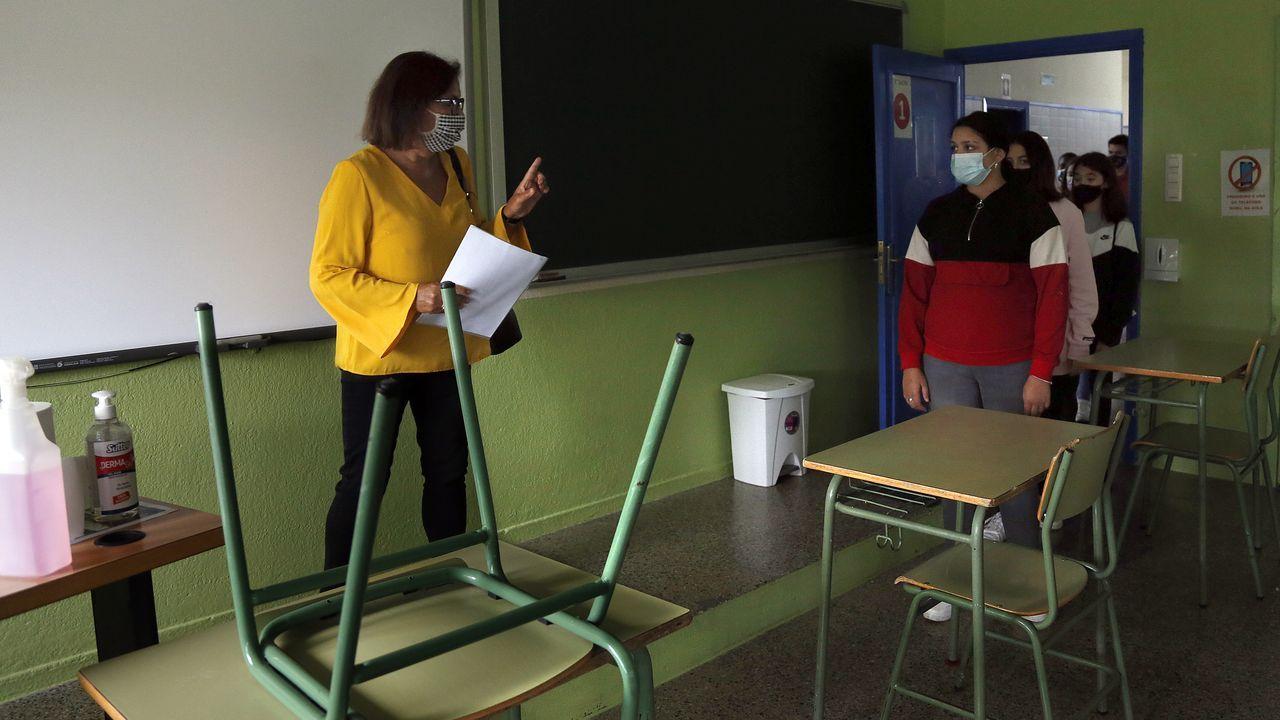 Inicio del curso en el instituto número uno de Ribeira