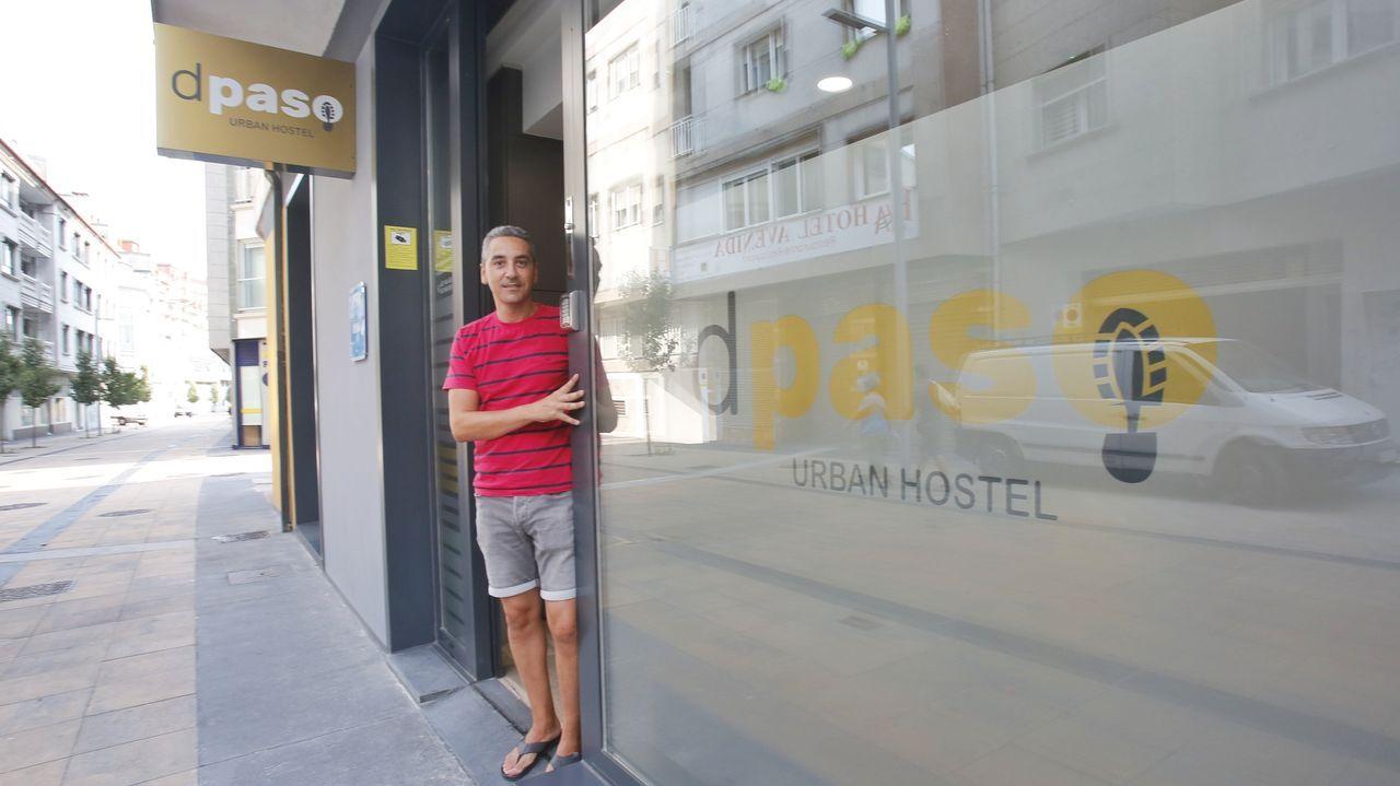 Manuel Vidal, propietario del albergue Dpaso Urban Hostel de Pontevedra