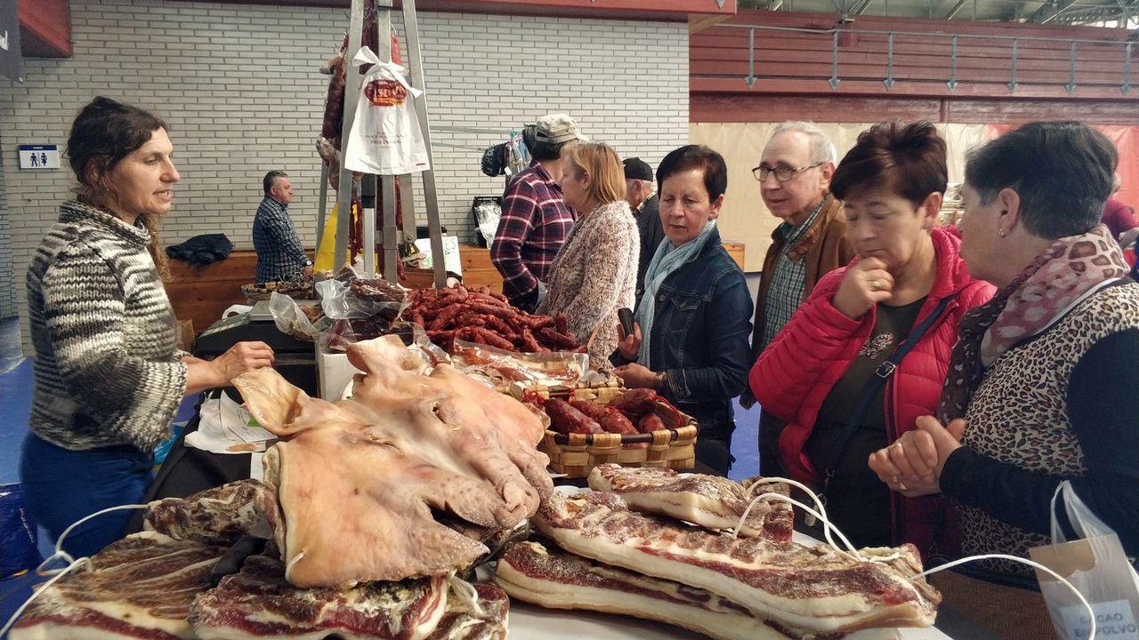 Lanzan animales muertos al río.Míchel González