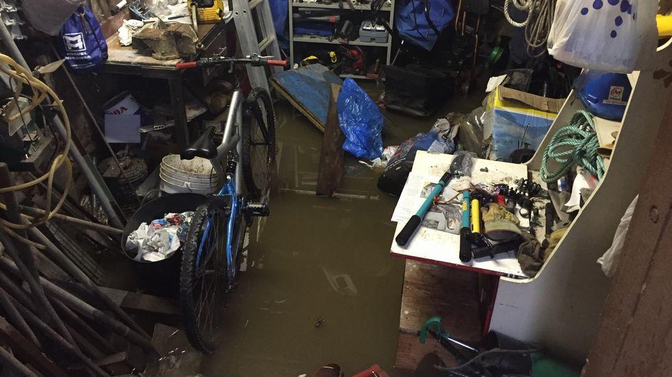 Casa inundada en Bens, en A Coruña.