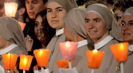 Un grupo de monjas esperaba el mensaje del papa Francisco el pasado Viernes Santo.