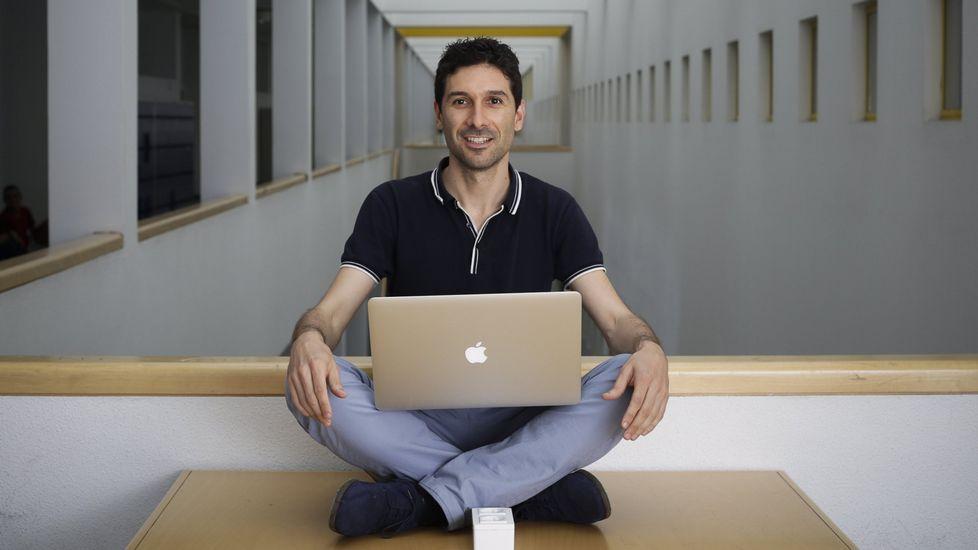 Héctor Gómez (UDC). Está desarrollando en la Universidade da Coruña, con cargo a su proyecto Starting Grant, un modelo computacional para predecir la evolución del cáncer.