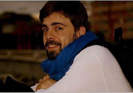 Padre Casares.Alejandro Carro hace honor a su fama de actor camaleónico.