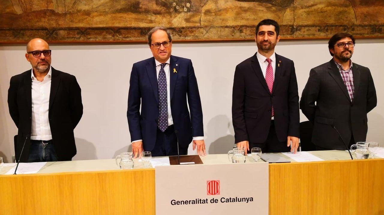 El informático Josep Maria Ganyet, el presidente Torra; el consejero de Políticas Digitales, Jordi Puigneró, y el doctor en Derecho Nacho Alamillo, en la presentación del nuevo documento