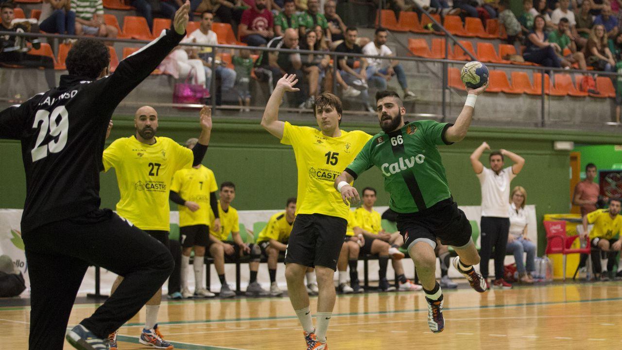 ¡Mira en imágenes la presentación de los equipos séniores de la Escola Basket Xiria!
