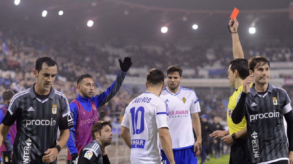 Verdés recibe la tarjeta roja en Zaragoza