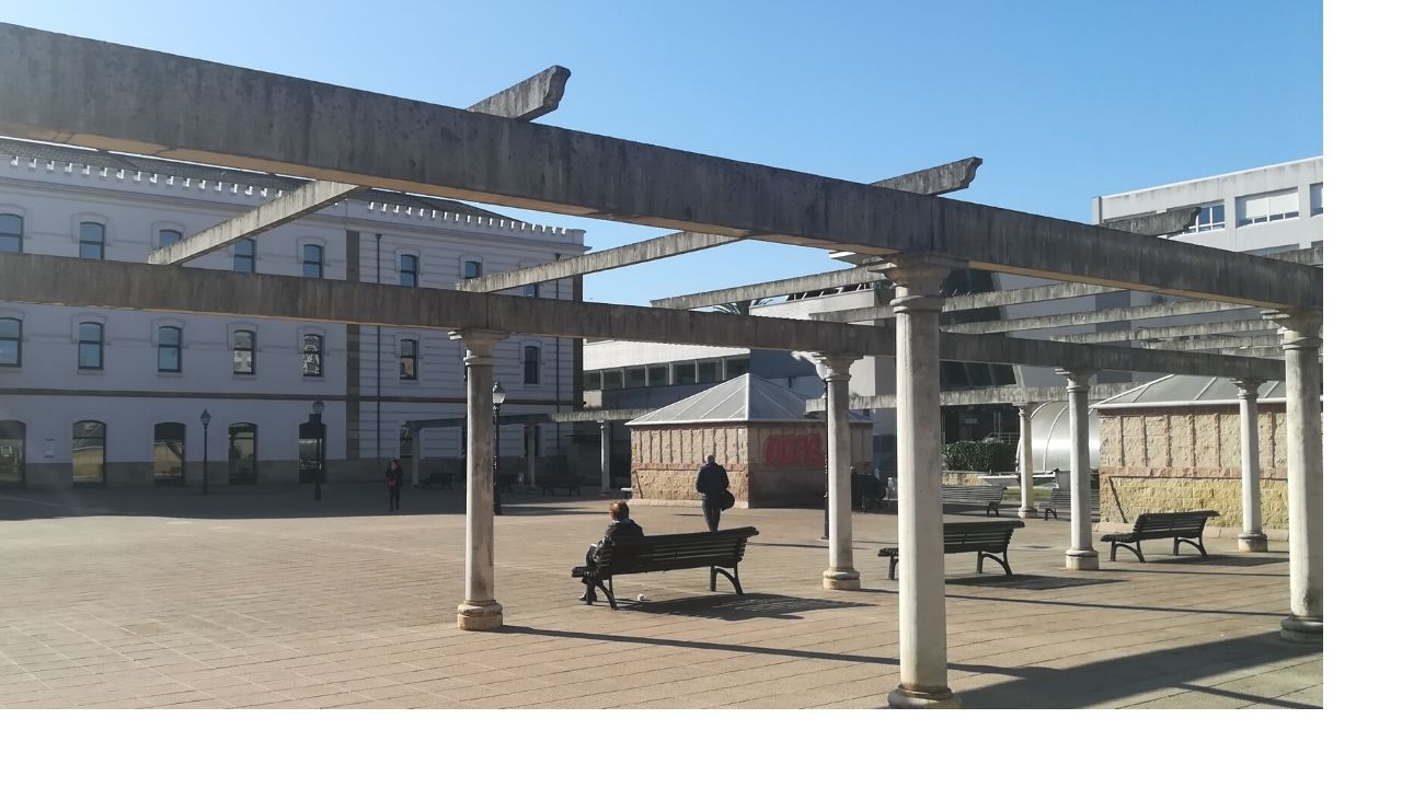 Plaza de la República en el barrio de El Coto